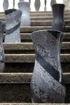 Durch das Zusammenkleben der verschiedenen Granite entsteht die wunderschöne Optik.